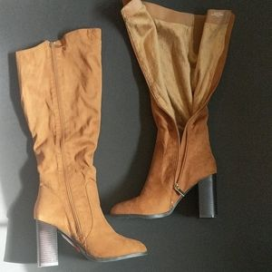 Bamboo new boots, size 9